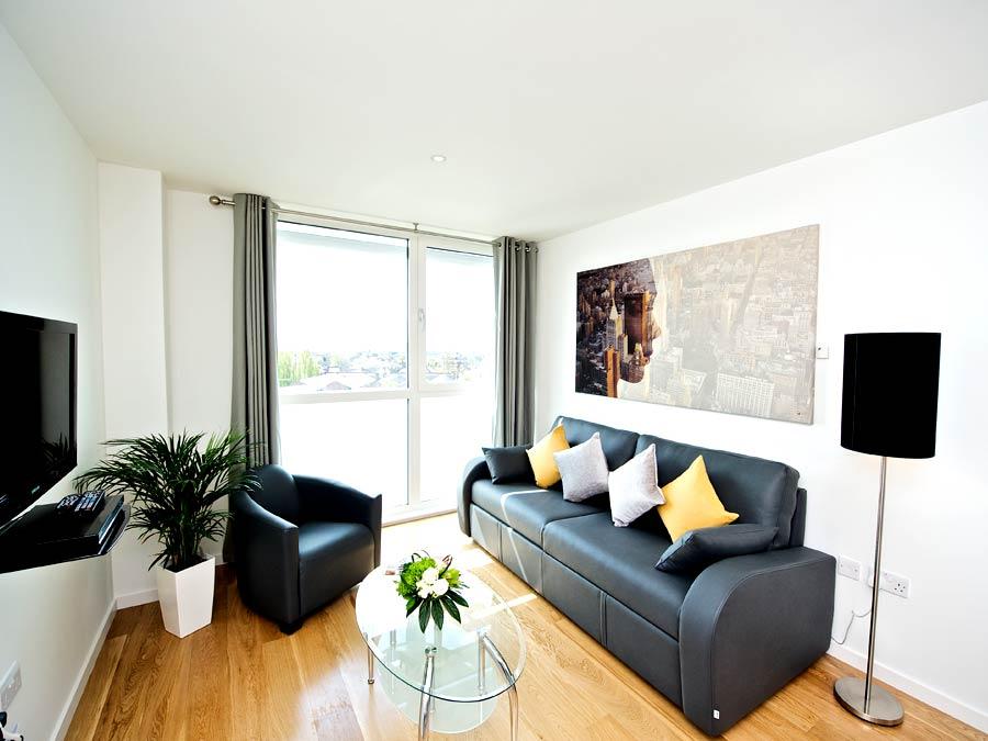 089Heathrow_london_heathrow_living_room